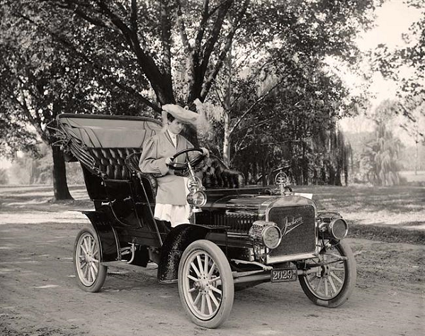 Mrs. John E. Harris in a 1906 Model D Jackson with Maryland leather pre-state license plate #2029.