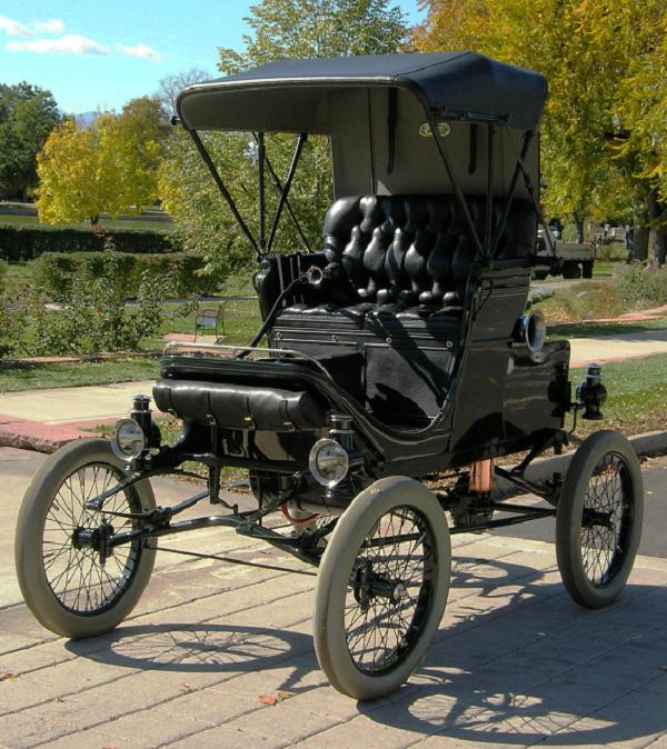 1902 White Model B Steamer, front view.